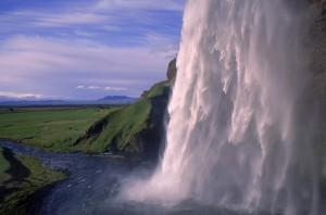 Seljalandsfoss_IcelandTB