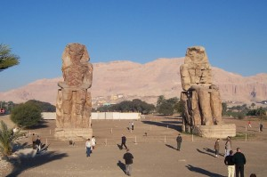 colossi-of-memnon
